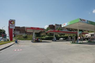Estación Servicentro Las Brisas